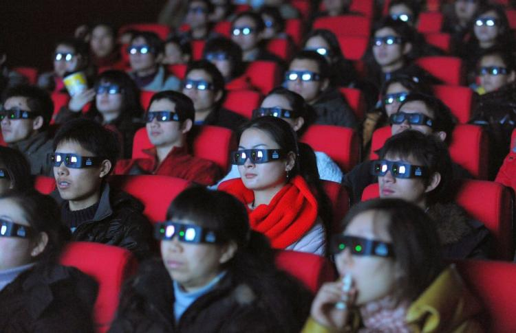 china-theater-3d-crowd