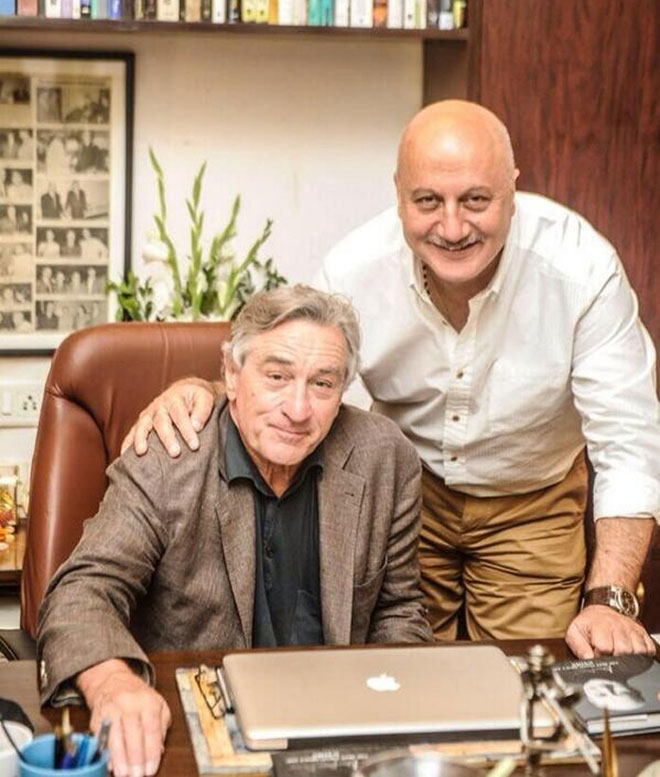 Robert De Niro visits India first time in 35 years, receives warm welcome
