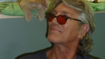 Eric Roberts visits Petopia Animal Rescue - PHOTOS