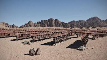 Abandoned cinema theater in Egyptian desert - PHOTO
