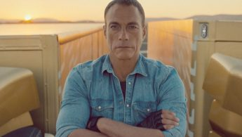 Jean-Claude Van Damme makes epic split on two moving Volvo trucks - VIDEO